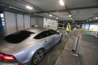 """У """"Борисполі"""" відкрили багаторівневий паркінг біля терміналу D"""