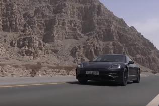 Блогер проехался в Porsche Taycan и снял все на видео
