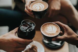 Без молока и не больше шести порций: как правильно пить кофе