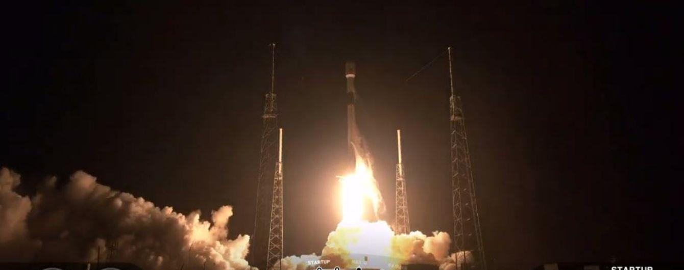 SpaceX вивела на орбіту вже половину необхідних супутників для глобального інтернету