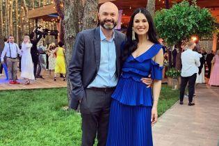Щоб не затьмарити наречену: Маша Єфросиніна ушила декольте сукні, в якій блищала на весіллі Каменських і Потапа