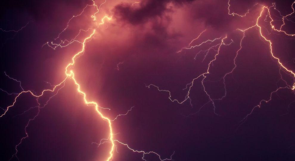 Дощ, гроза та шквали: у Києві оголосили штормове попередження