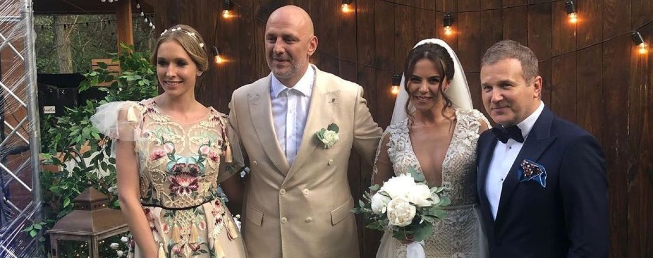 В платье с кисточками с цветочной аппликацией: образ Кати Осадчей на свадьбе Каменских и Потапа
