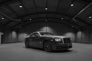 Rolls-Royce выпустил спецмодель со звездным небом в салоне