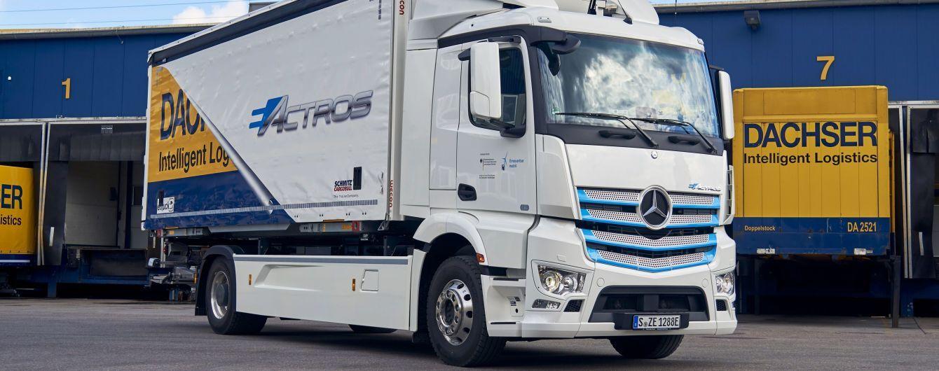 Mercedes тестує 18-тонну електровантажівку