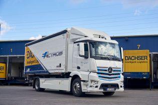 Mercedes тестирует 18-тонный электрогрузовик