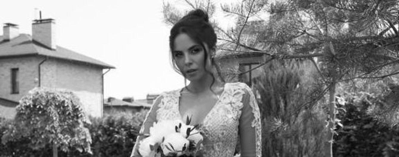 Она прекрасна: три образа Насти Каменских со свадьбы