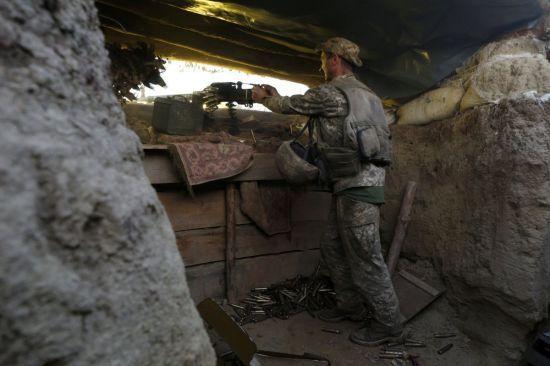 Під час обстрілів був поранений український боєць. Хроніка ООС