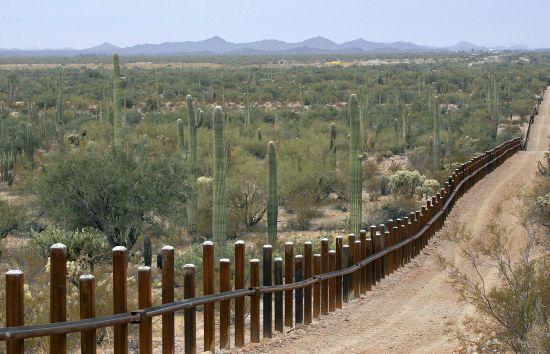 Суд у США заблокував виділення грошей на будівництво частини стіни на кордоні з Мексикою