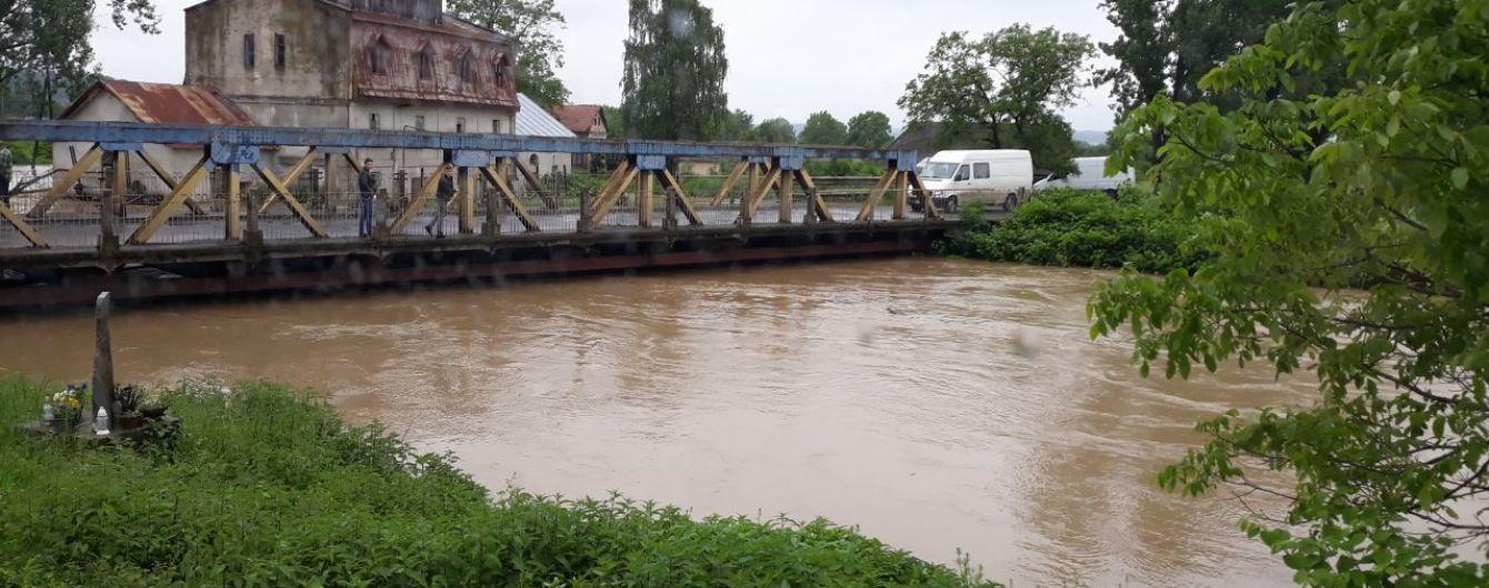 Синоптики попередили про підняття води у річках: де чекати затоплень