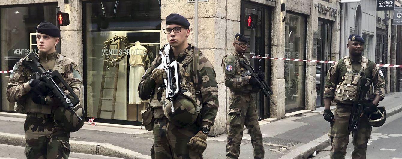 Взрыв в Лионе мог быть терактом - министр