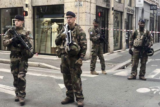 Вибух у Ліоні міг бути терактом - міністр