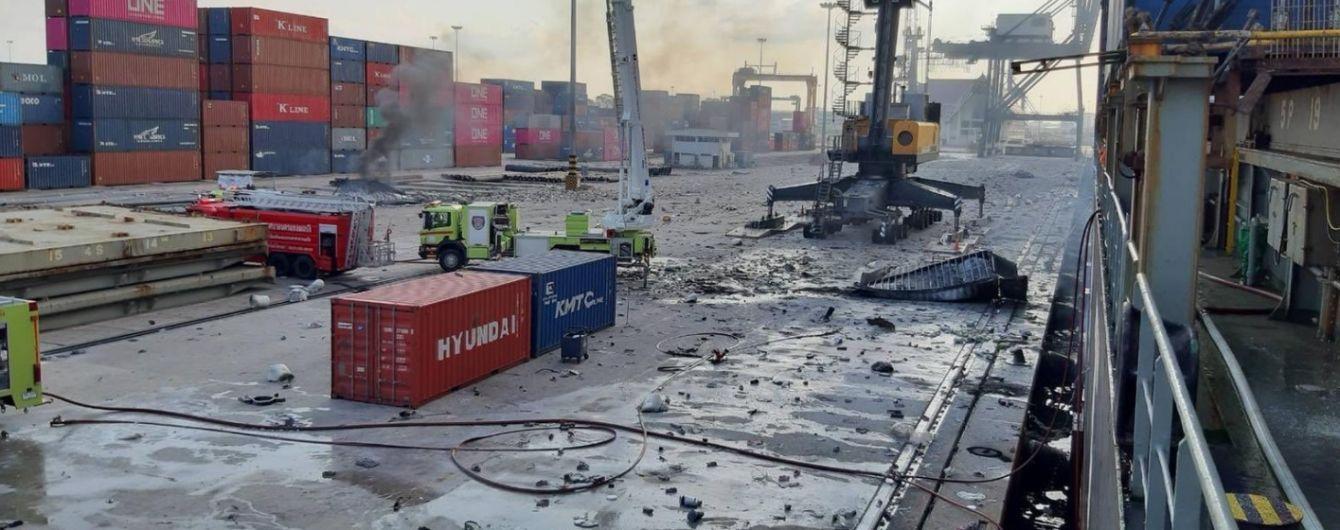 В порту Таиланда произошел взрыв и пожар, пострадали 50 человек