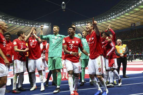 """""""Баварія"""" розбила """"биків"""" і тріумфувала в Кубку Німеччини"""