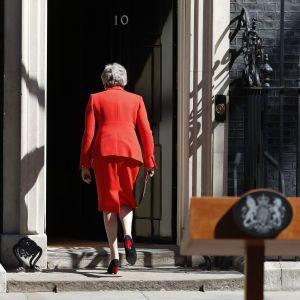 На пост Мэй претендуют уже семеро британских политиков