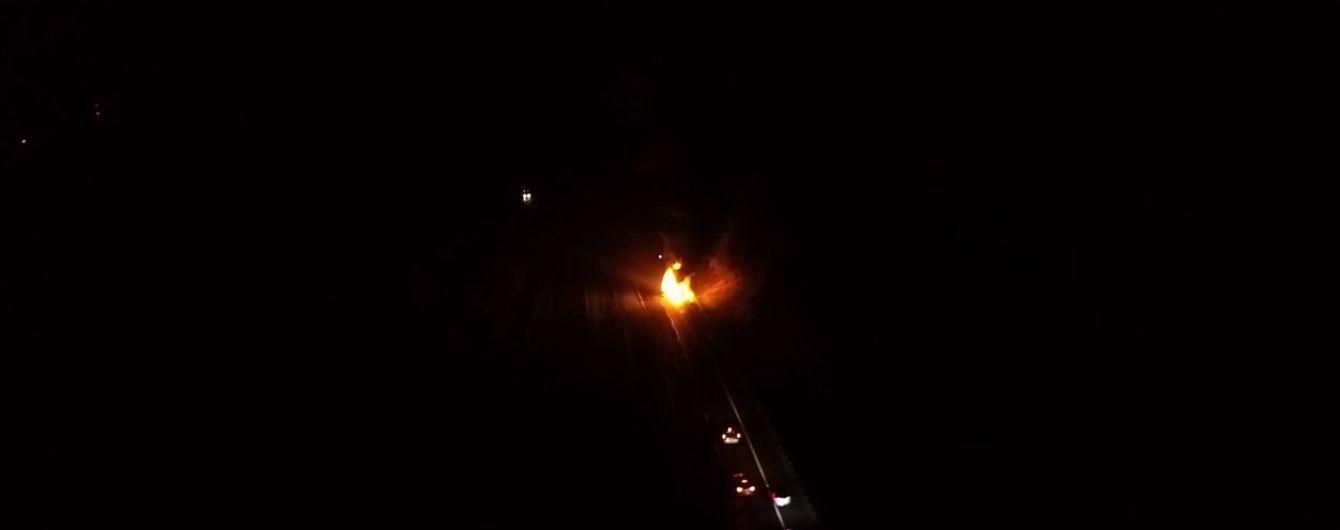 В Польше посреди ночи на трассе сгорел автобус, который вез 70 украинцев в Прагу