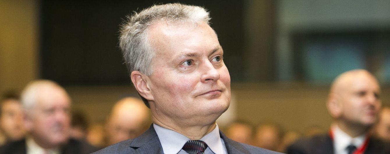Зеленский по телефону обсудил с президентом Литвы интеграцию в ЕС и НАТО