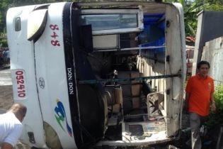 На Філіппінах сталася масштабна аварія: двоє загиблих, 57 постраждалих