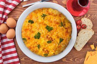 Пышный печеный омлет с сыром