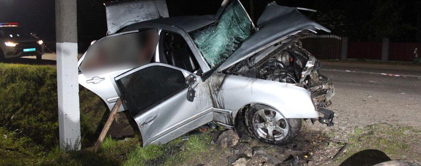 У Чернівецькій області 22-річний водій врізався у бетонний міст: загинули двоє юнаків, ще троє у лікарні