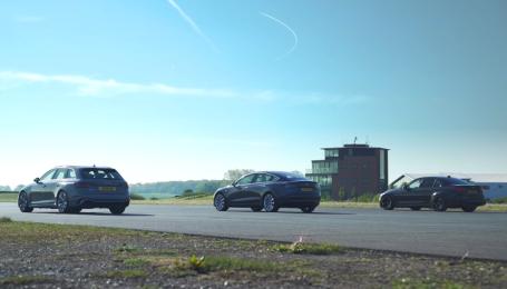 Заядлую драг-гонку Model 3 и заряженных Audi и BMW показали на видео