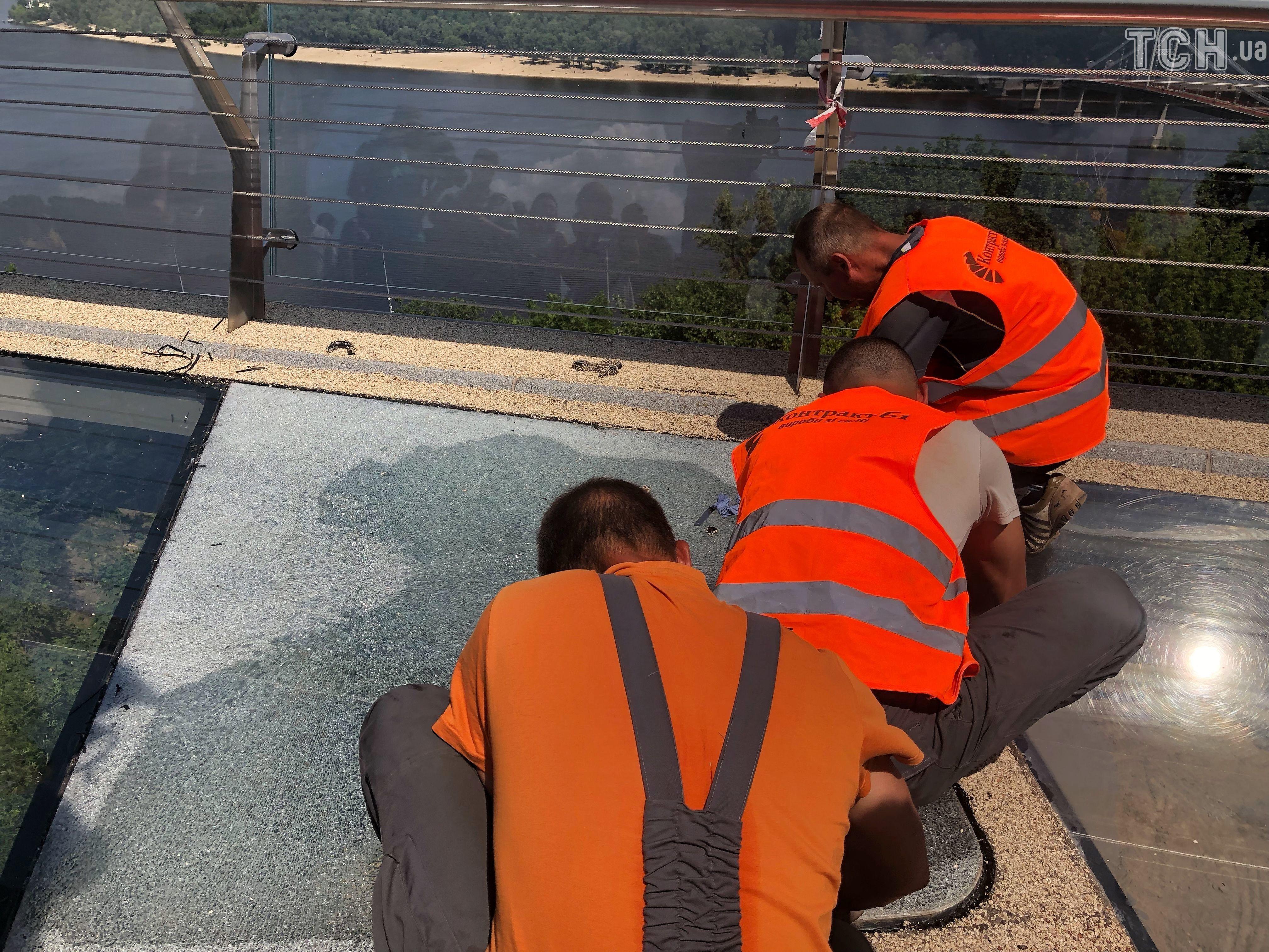 заміна скла на мосту у Києві 5
