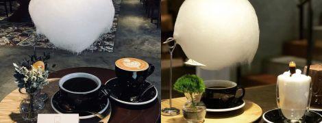 """У китайському кафе величезну філіжанку кави подають із солодкою """"хмарою"""""""