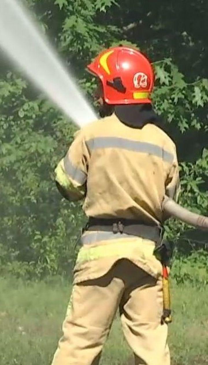 Столичные спасатели тренировались тушить лесные пожары