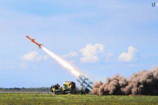 В считанных метрах над землей: на Одесчине испытали первую украинскую крылатую ракету