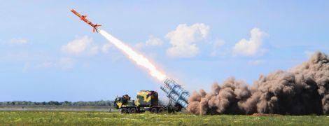 За лічені метри над землею: на Одещині випробували першу українську крилату ракету