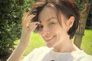 Красива і без макіяжу: Надя Мейхер показала свій повсякденний аутфіт