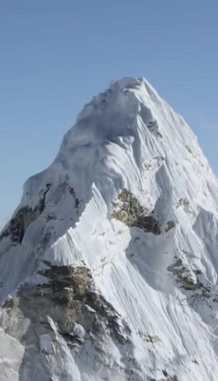 Черги в зону смерті: чому на вершині Евересту масово гинуть люди