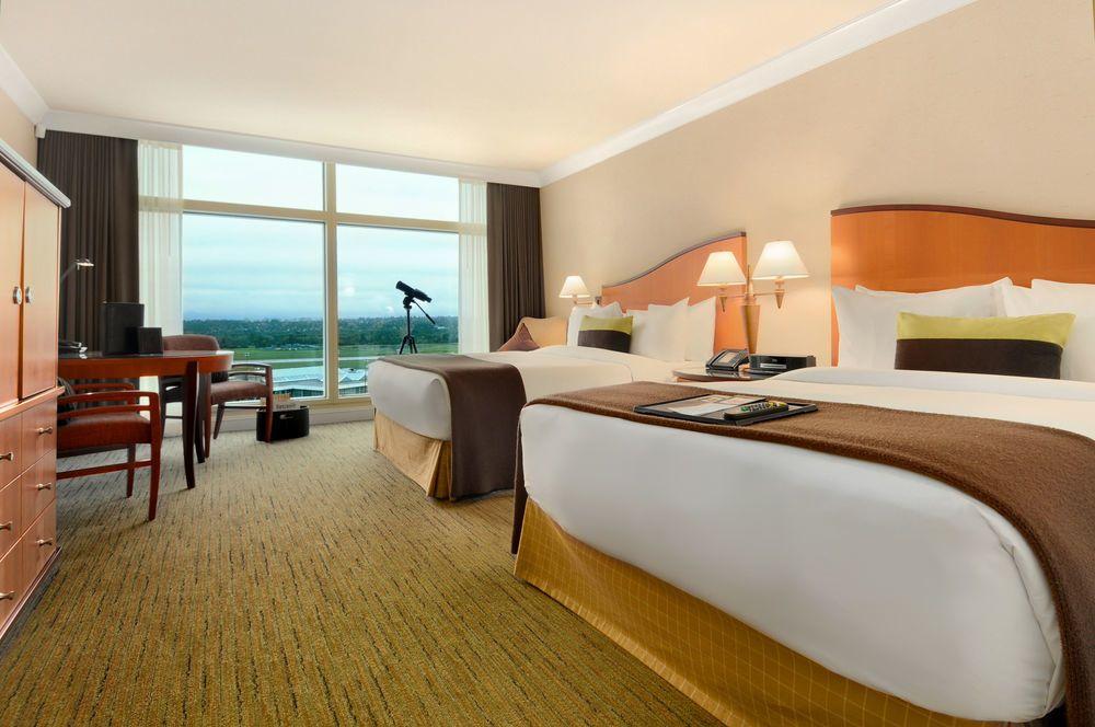 Fairmount Vancouver Airport Hotel