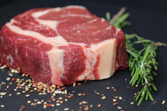 У Чехії лідер правих заявив про небезпеку м'яса з України – в уряді країни рішуче спростовують