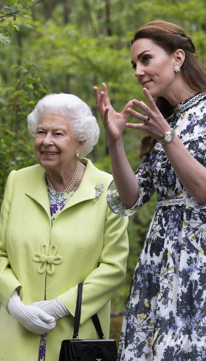 Герцогиня Кембриджська і королева Єлизавета II