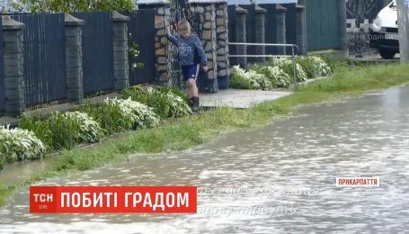 Сильний вітер, град, підтоплення: зливи й буревії лютують на Прикарпатті