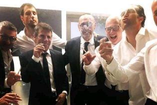 """Тренер """"Челсі"""" дістав сигару на полі після перемоги у Лізі Європи, а потім """"накурив"""" увесь штаб"""