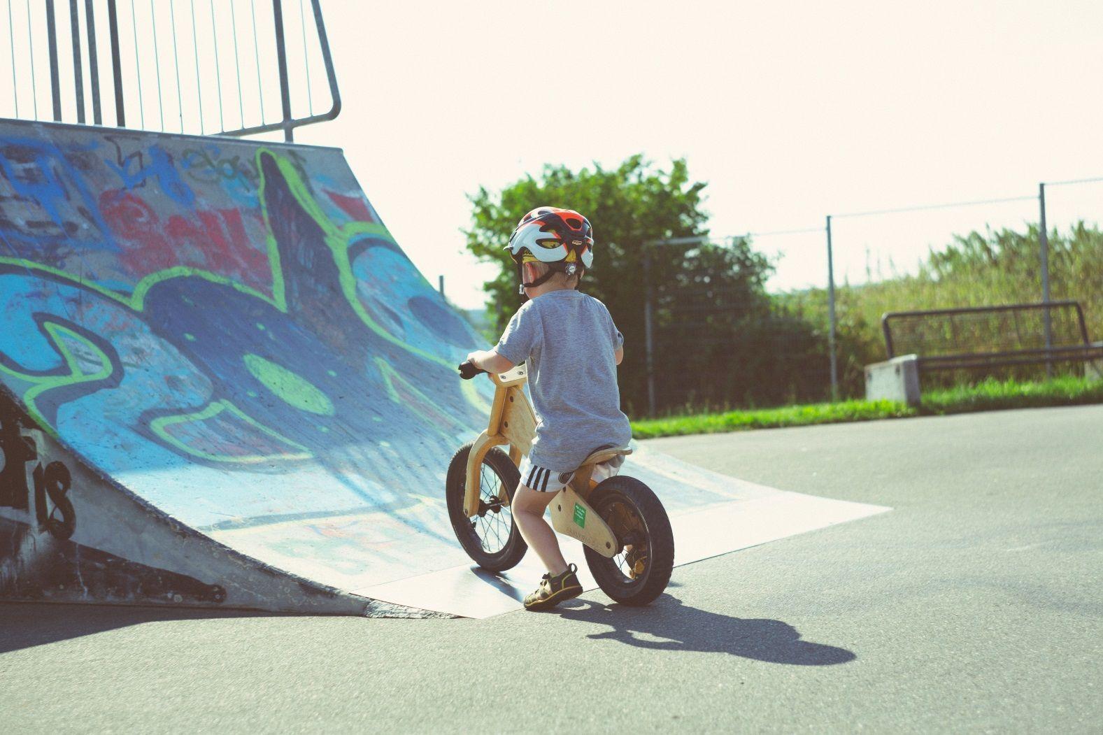 ребенок велосипед
