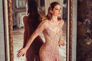 З розрізом до стегна і розсипом каміння: ефектна Даутцен Крус блищала у зніманні для Versace