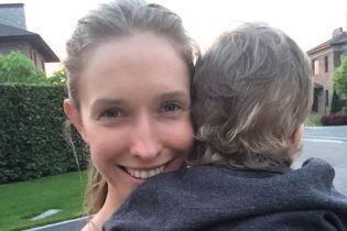 Як мило: Катя Осадча показала фото без макіяжу і з сином на руках