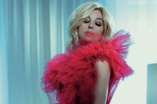 Сексуальна и в образе блондинки: Моника Беллуччи в новом глянцевом фотосете