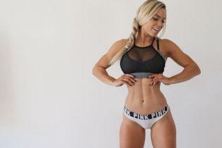 Кубики пресса и пышная грудь. Чем хвастается белокурая фитнес-модель в Instagram