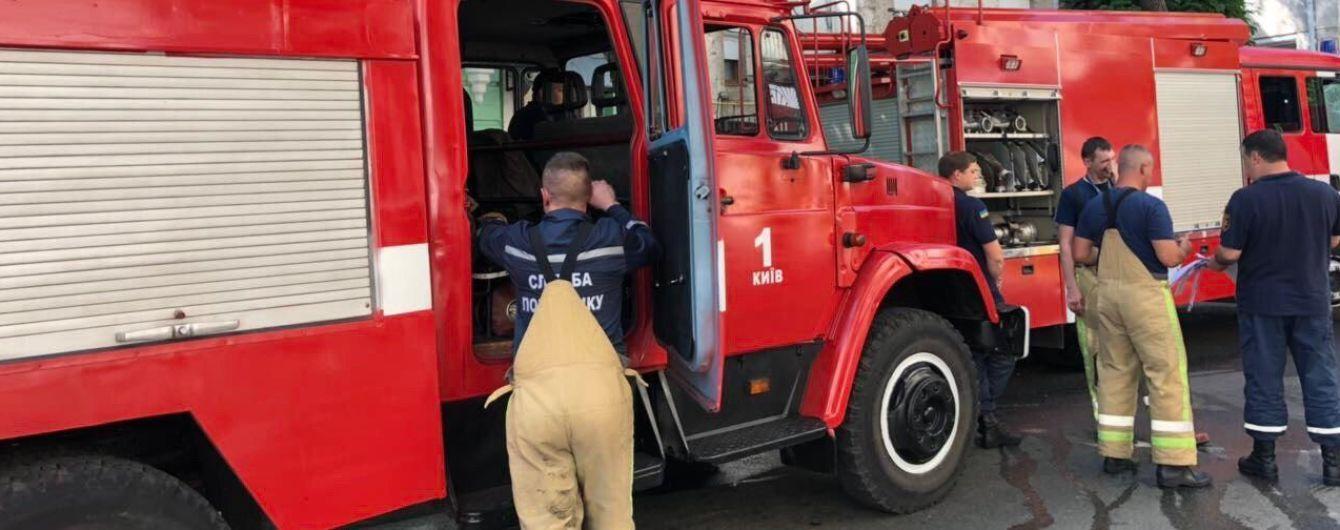 В Киеве напротив резиденции Филарета загорелся дом