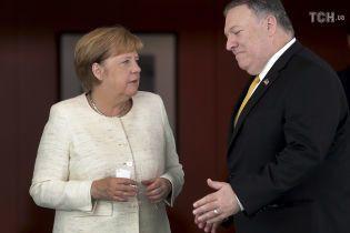 Меркель и Помпео обсудили поддержку Украины и противодействие агрессии РФ