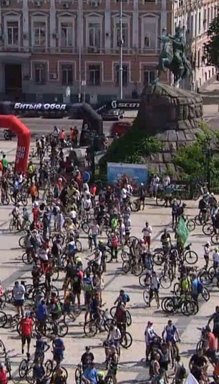 Более 5 тысяч велосипедистов съехались на столичную Софийскую площадь