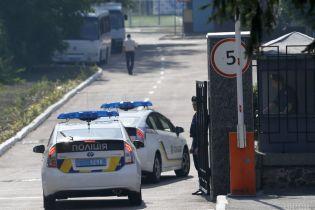 На Киевщине хулиганы вызвали копов и похитили их патрульный автомобиль