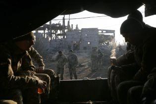 Бойцы с передовой пригласили к себе Кучму посидеть под обстрелами без права на ответ