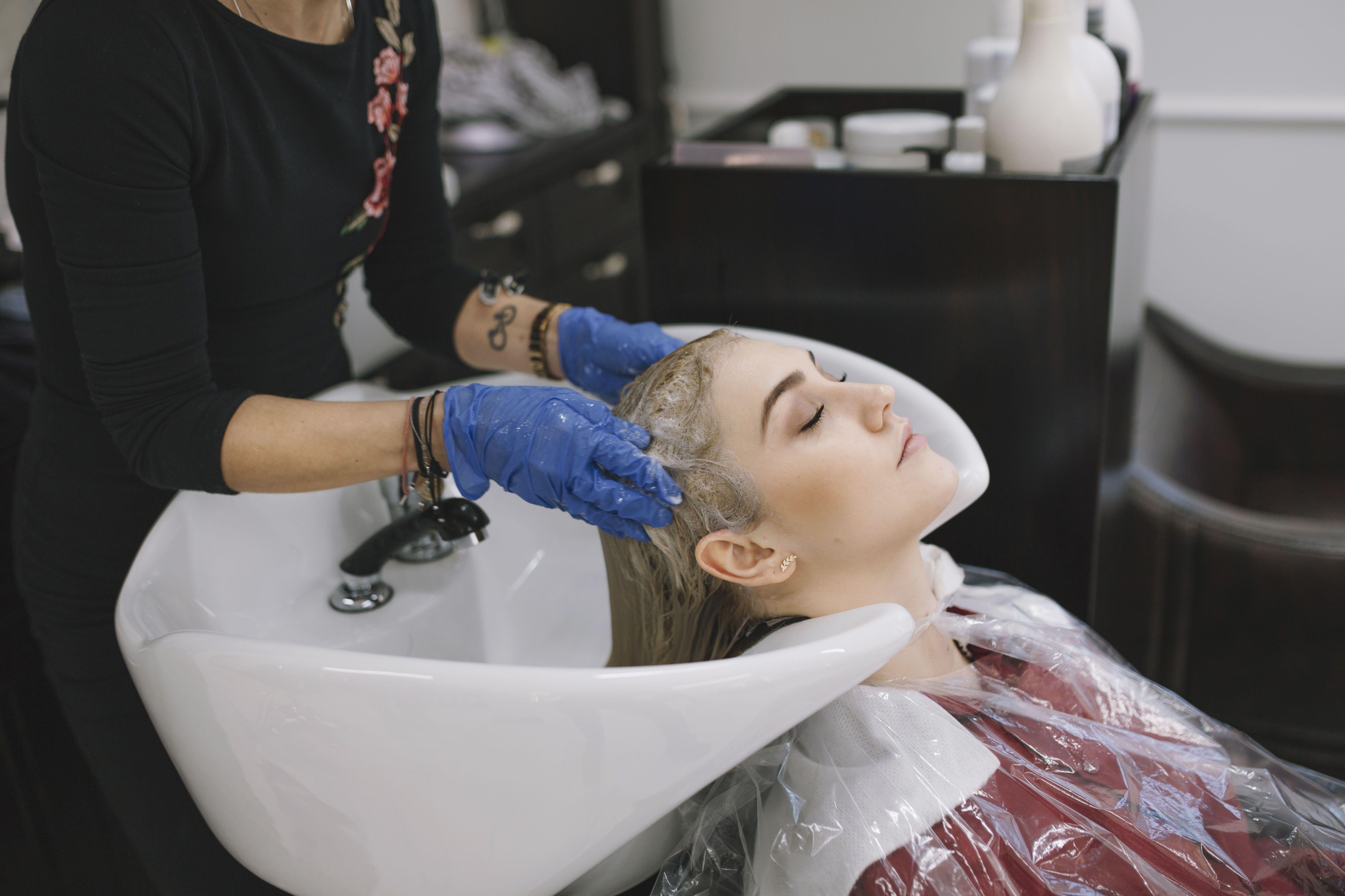 Миття голови, волосся, салон
