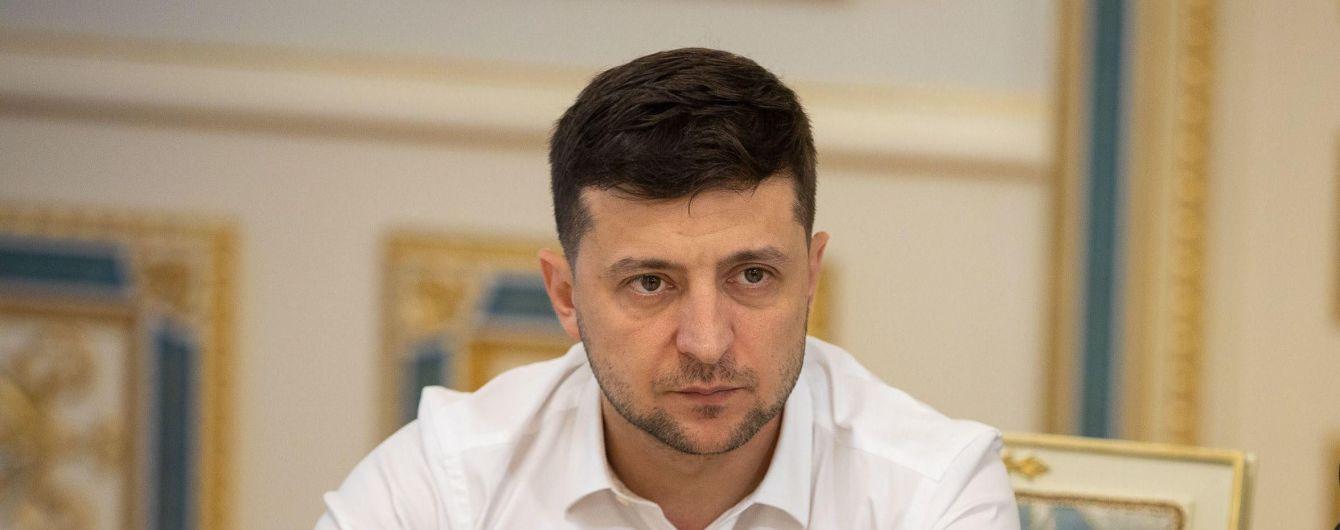 Зеленский призвал мировое сообщество отреагировать на обстрел санитарной машины ВСУ