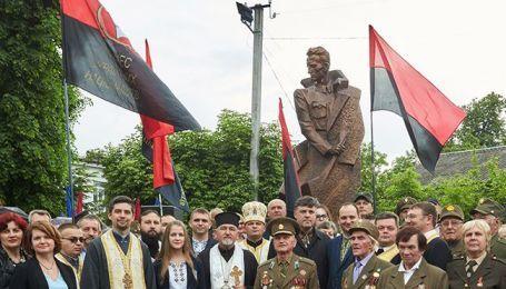 Польща та Ізраїль протестують проти відкриття пам'ятника Шухевичу в Івано-Франківську